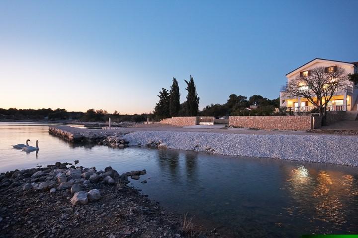 luxury beach front villa for rent sibenik area