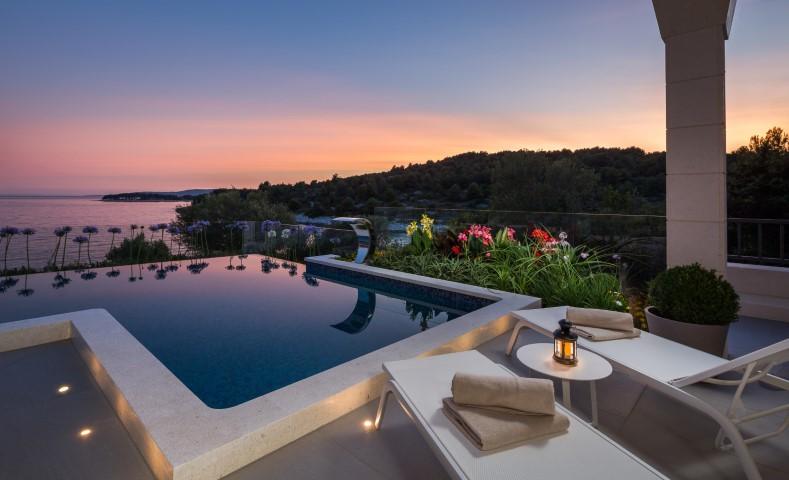 croatian villa rent waterfront