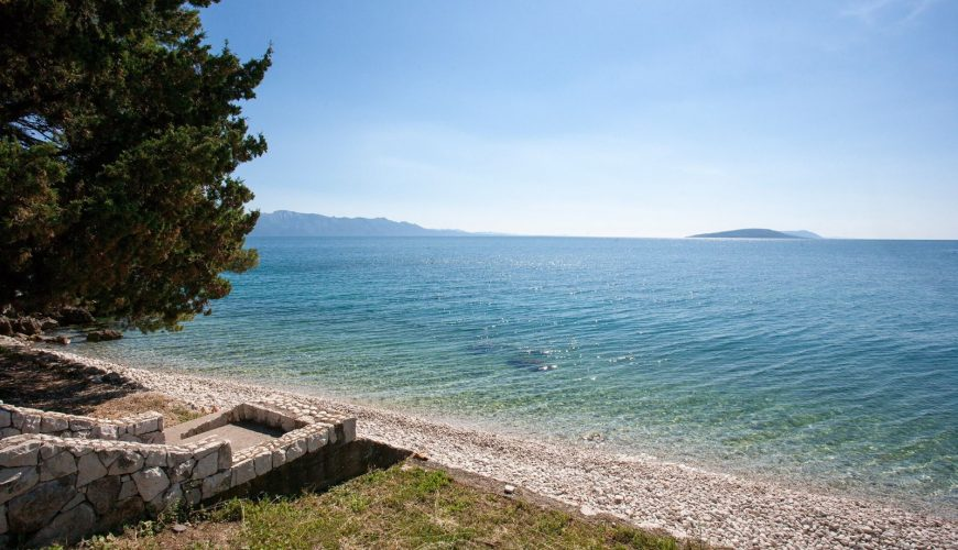 Croatia Makarska Riviera Beachfront villa for rent