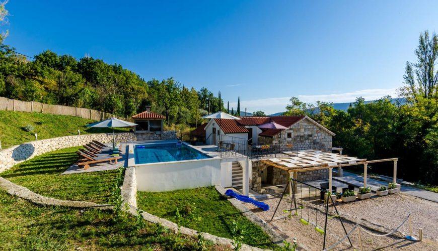 Croatia Cavtat area Stone villa with mountain views rent