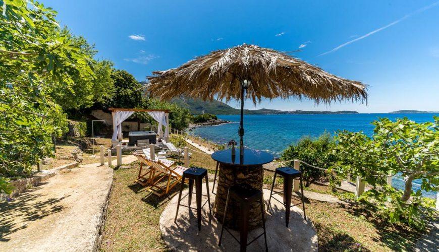 Croatia Dubrovnik area waterfront Villa with private beach rent